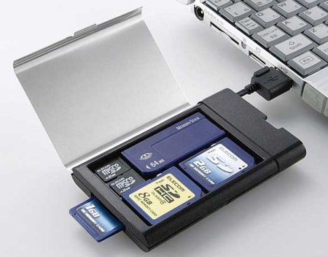 Collega la memory card al PC